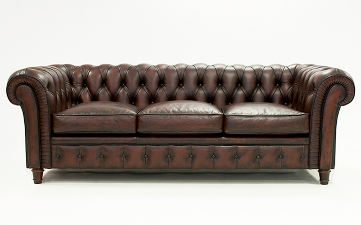 Sof chesterfield clasico for Sofas tapizados clasicos